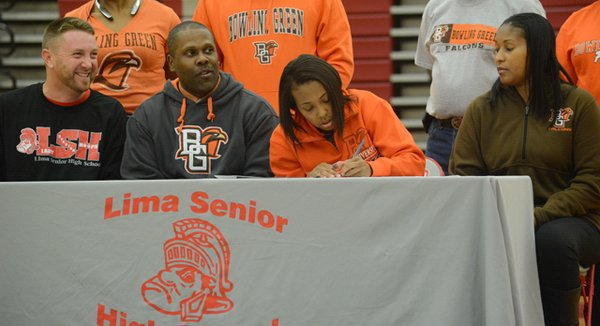2015_CollegeSigning_RionThompson_Basketball