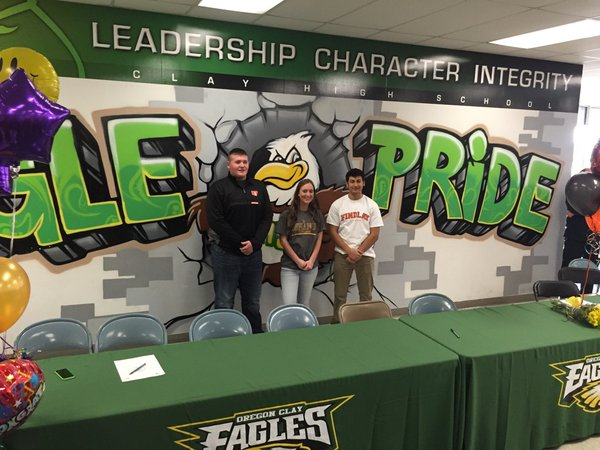Clay's Brock Belinske signed to play football at the ...